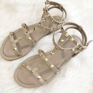 Nude sandals with gold studs
